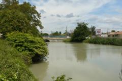 Canal de Loire au barrage sur la Charente